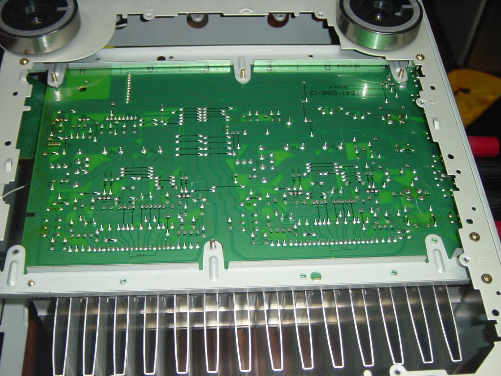 SONY TA-N220 底部点検板を開けたところ